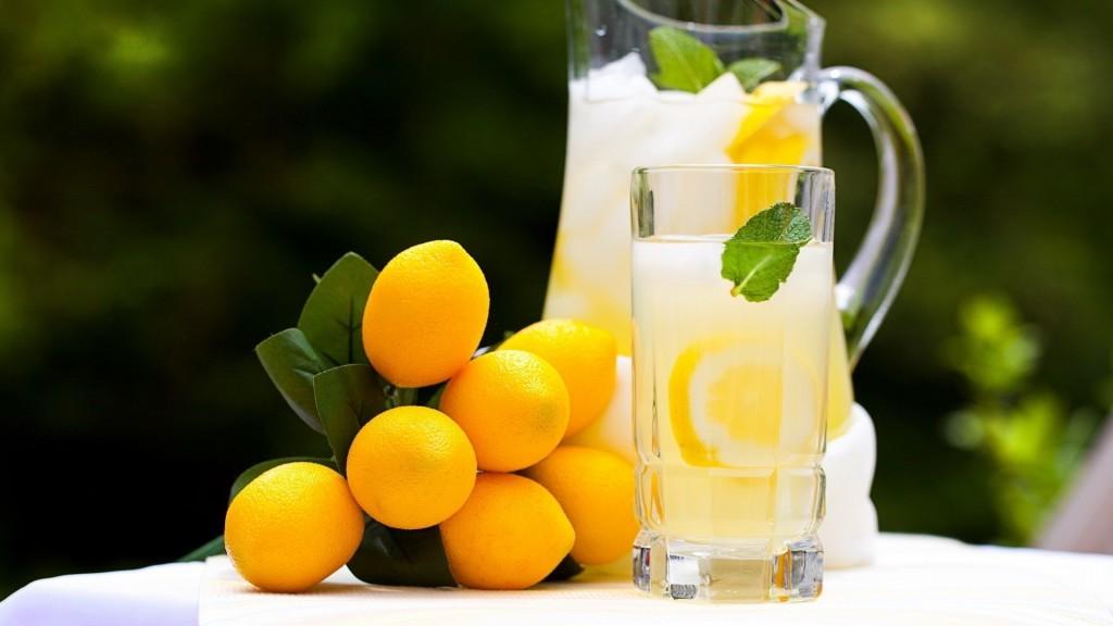 jus de citron tiede le matin a jeun